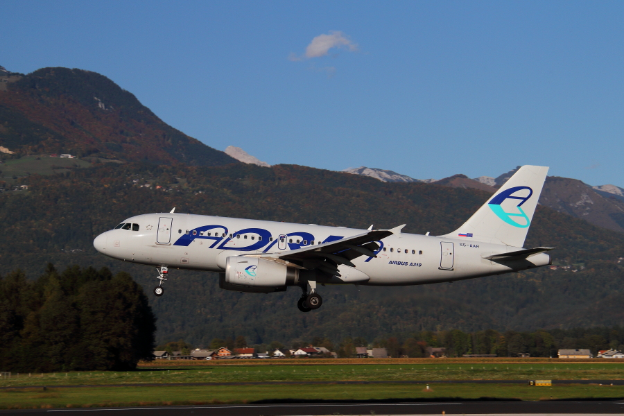 Adria Airways Slovenija - Page 5 Img4675