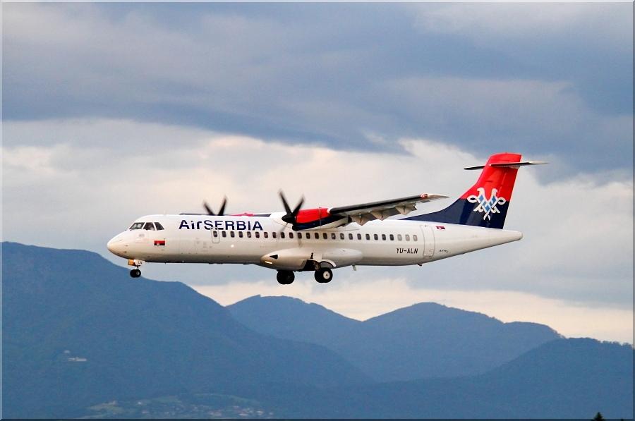 Zrakoplovi na letališču Brnik (Ljubljana) Img6202a