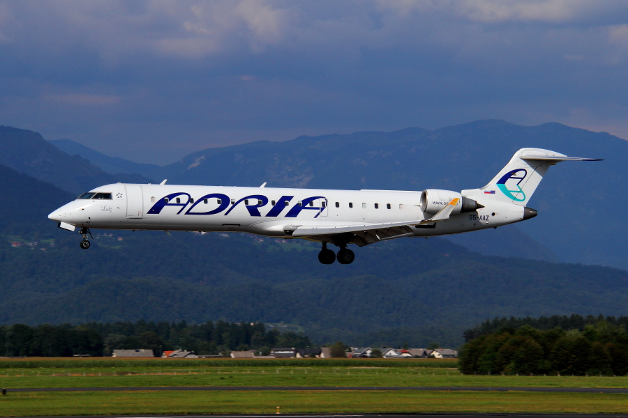 Adria Airways Slovenija - Page 5 Img3157