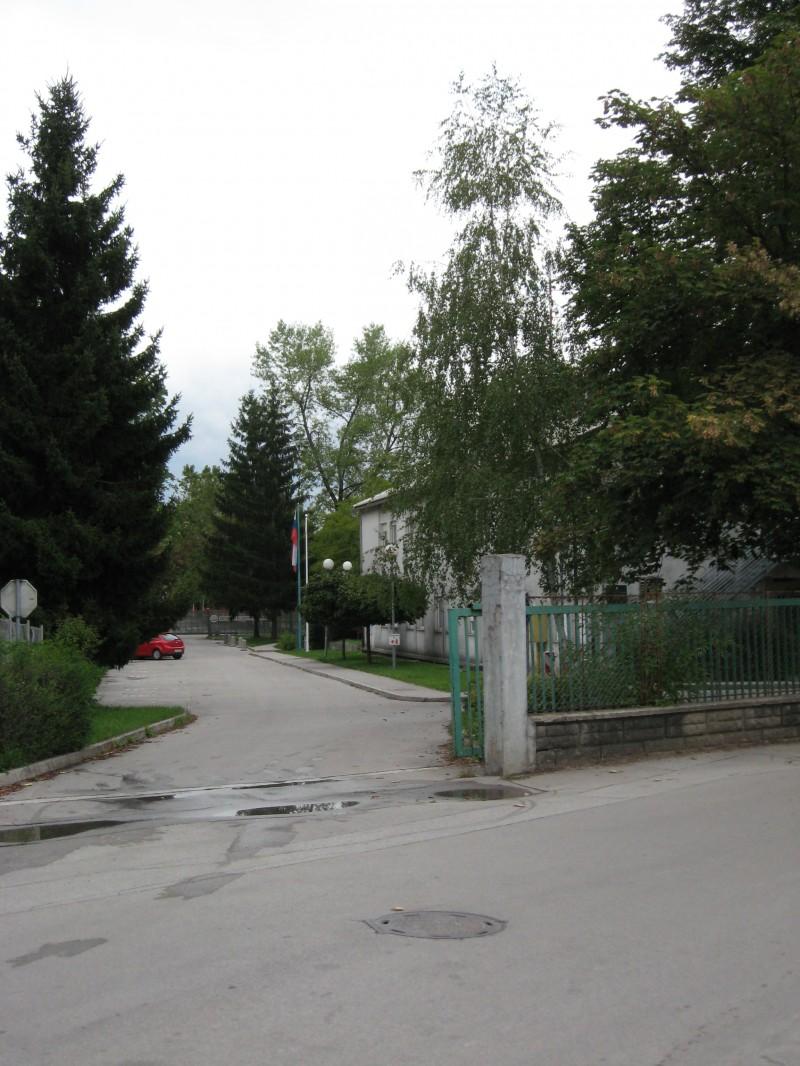 Ljubljana, kasarna Boris Kidrič - Page 3 Img0382