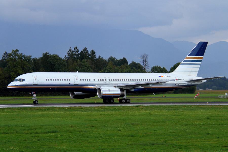 Adria Airways Slovenija - Page 4 Img4764