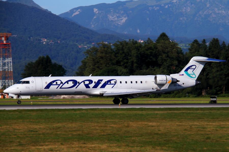 Adria Airways Slovenija - Page 5 Img2616