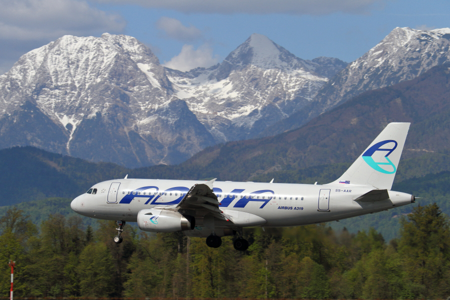 Adria Airways Slovenija - Page 5 Img3387
