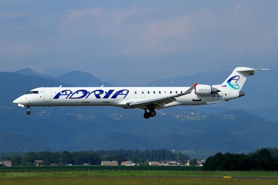 Adria Airways Slovenija - Page 4 Img2962