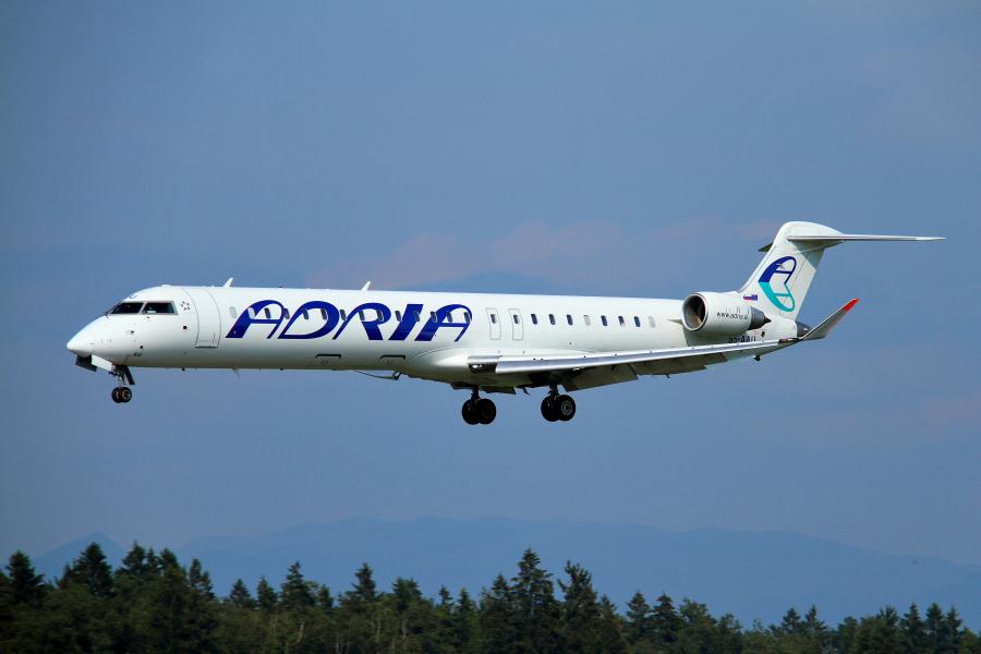Adria Airways Slovenija - Page 4 Img2960