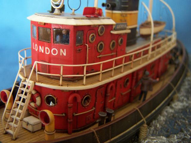 Dio : Remorqueur Lucky XI quittant le quai de Londres (1/100°) de noratlas 09rd7y
