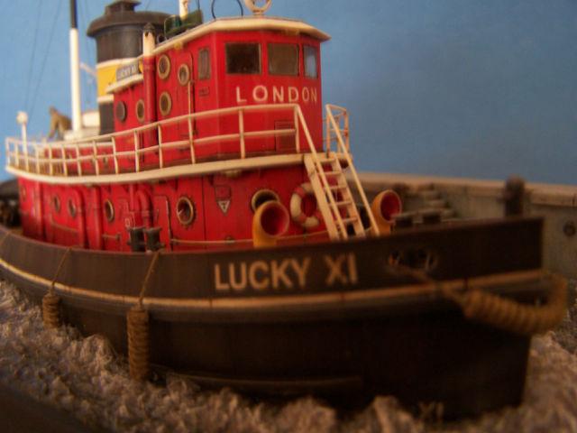Dio : Remorqueur Lucky XI quittant le quai de Londres (1/100°) de noratlas 09s6wp