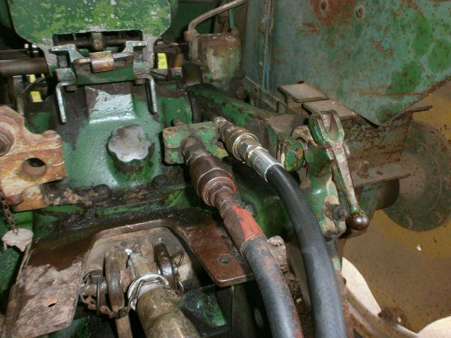 Utilisation prises d'huile sur JD 2020 08o8cp