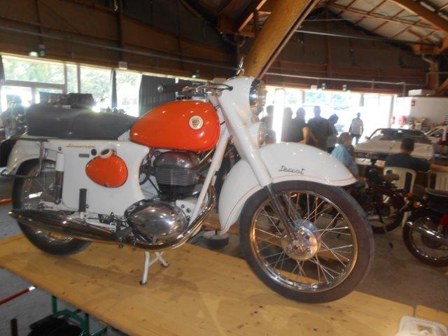 Salon Auro moto retro d'Avignon (84)  06/09/2014 07kk1s