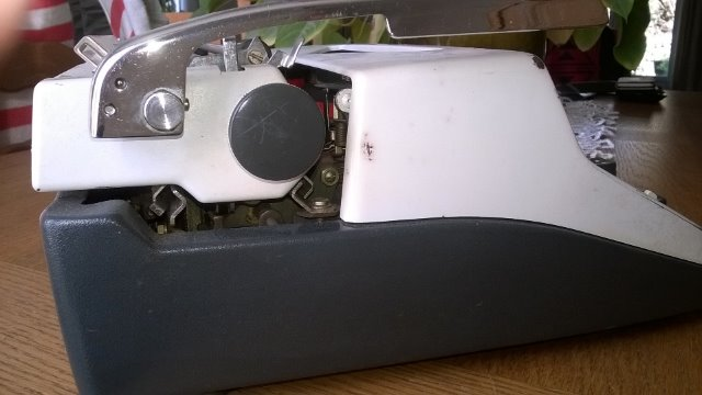Machines à écrire GN. 254iih