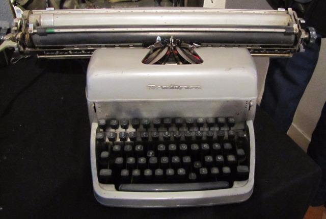 Machines à écrire GN. 07856z