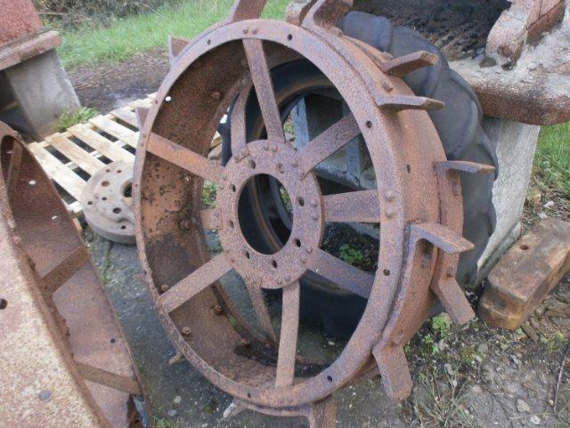 (Recherche) Crampons pour roues de fer AFV 20f3se