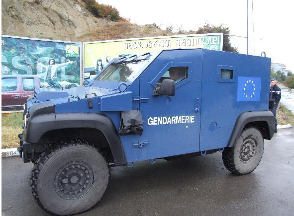 R4, R6 Sinpar et véhicules tout terrain de brigade.  17k17s