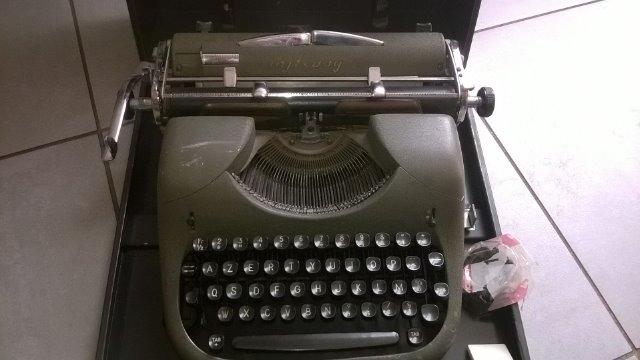 Machines à écrire GN. 251xue