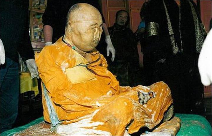 Le fantôme d'un moine bouddhiste filmé en Russie Information_items_4605