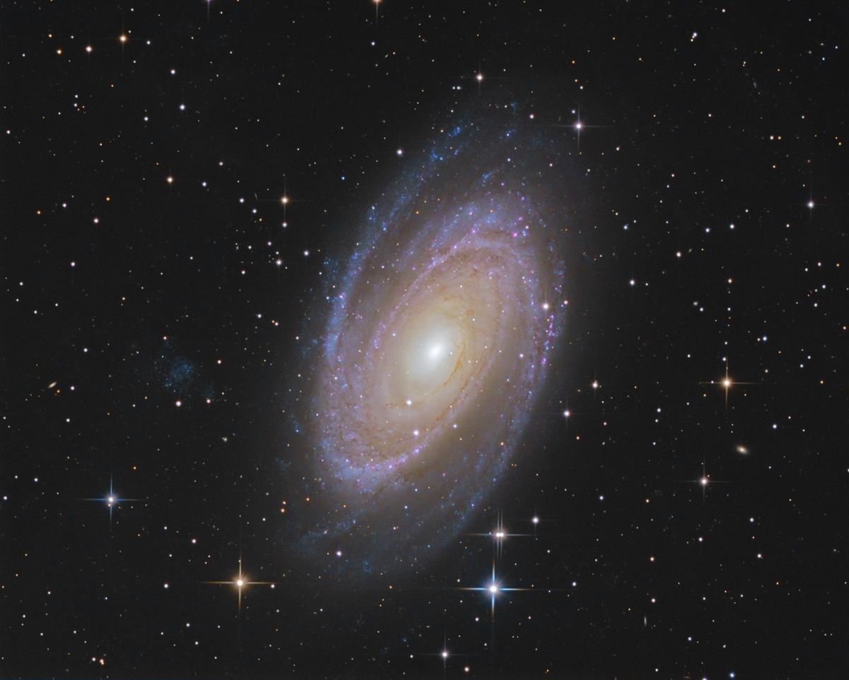 M81 M81asinh_ct_lrgb_1200new