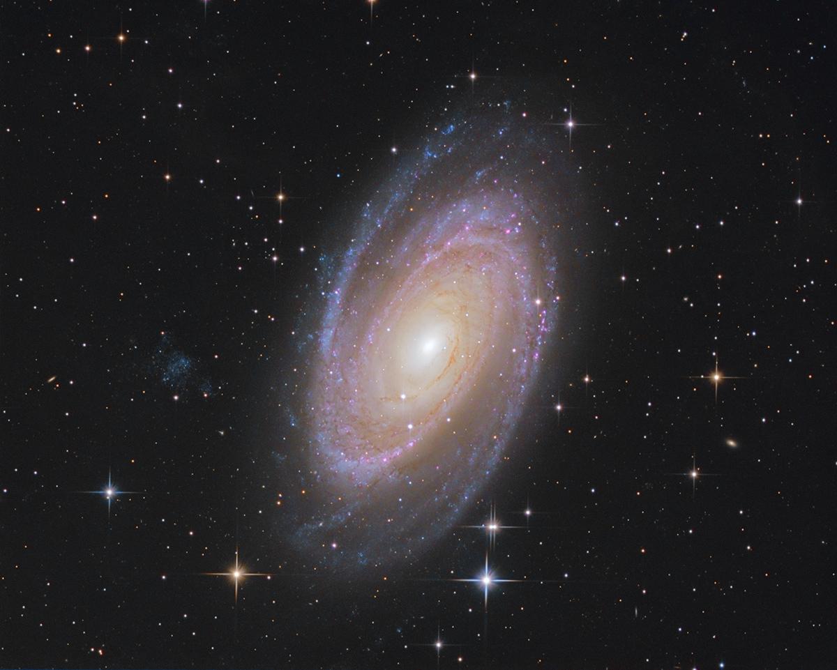 M81 M81asinh_ct_lrhagb_1200