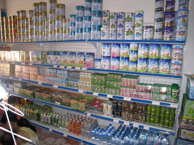 Bí quyết trưng bày hàng hóa trên giá kệ siêu thị, cửa hàng Ke-sua_1461215965