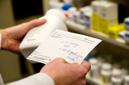 Cửa hàng thuốc nên mua máy in hóa đơn nào Prescription_written_legal_content_1450494364
