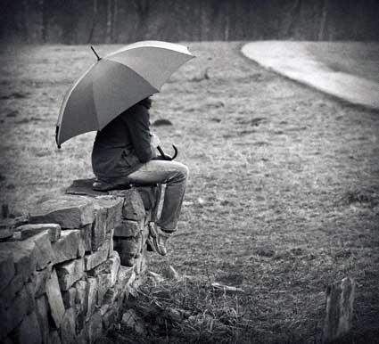 Kisobrani Waiting-in-rain
