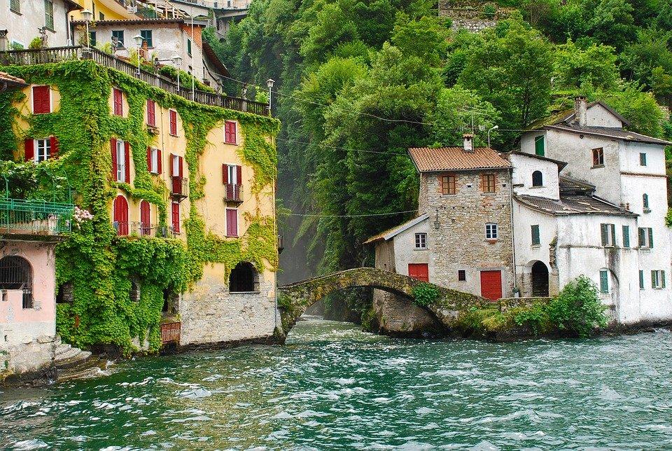 بحيرة كومو فى ايطاليا جمال علني وممرات سرّية 1517505719