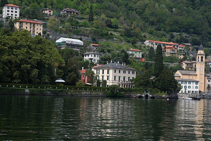 بحيرة كومو فى ايطاليا جمال علني وممرات سرّية 468494834