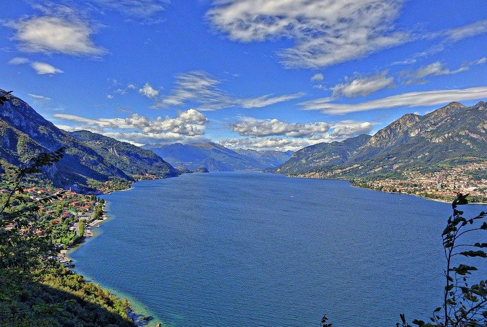 بحيرة كومو فى ايطاليا جمال علني وممرات سرّية 49276333