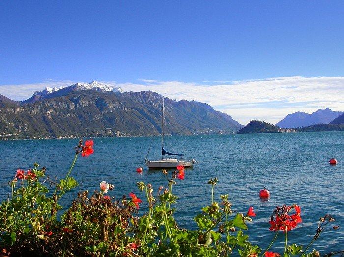 بحيرة كومو فى ايطاليا جمال علني وممرات سرّية 55587420