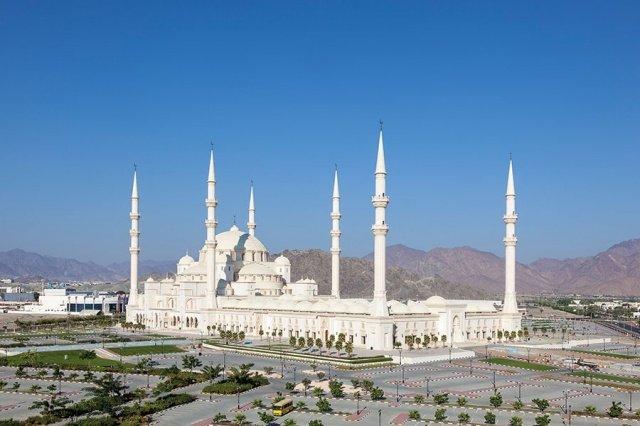 في العالم العربي مساجد تحف معمارية 1368698376