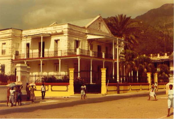 Cité du Cap-haitien malgré tout tu es vaiment remplie de charme:  BONNE FÊTE Cap4