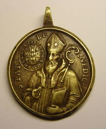 Medalla de gran formato de Nª Sª de Montserrat y San Benito, (R.M. SXVIII-O357) PKOsk