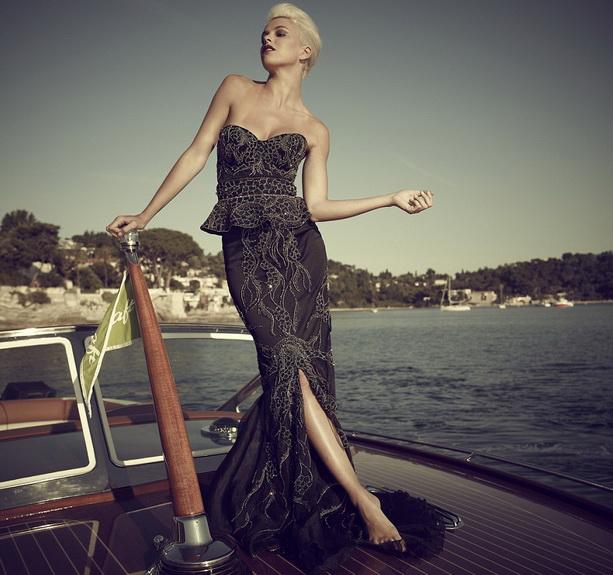 Книга рекордов Гиннеса 2011, 2012, 2013 - Страница 4 Expensive-dress2