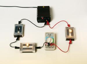 ميدان الظواهر الكهربائية    Elec3_p124_intensite_bouclesimple-300x223