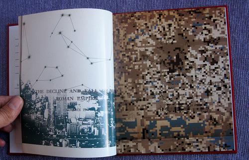 Qual a capa mais legal do radiohead? - Página 3 Amnesiac_book_pages_2