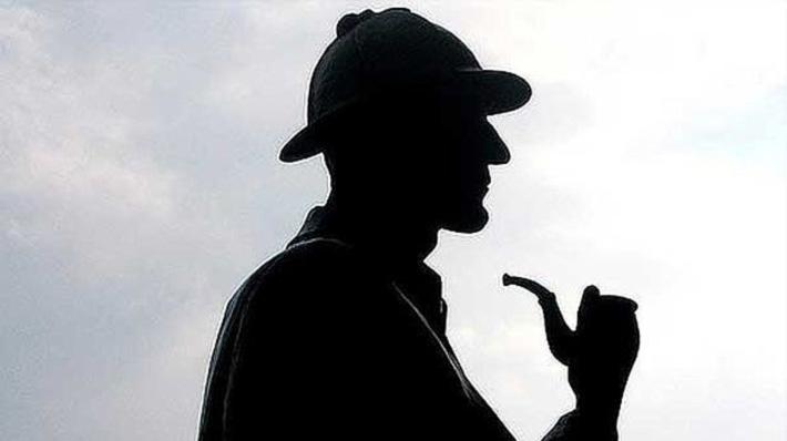 La mirilla caleidoscópica Holmes_34fh