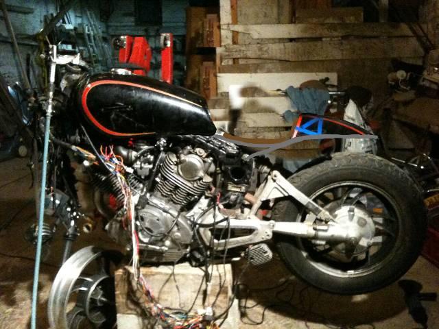 XV 750/1000 héritage racer  H2h73r