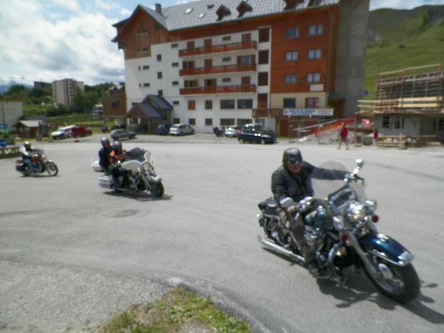 Rassemblement moto : les gueules de chien B25oiu