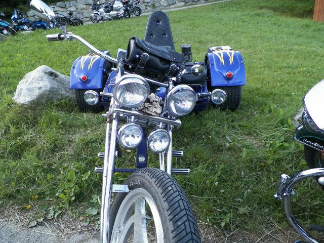 Rassemblement moto : les gueules de chien Ba3il5