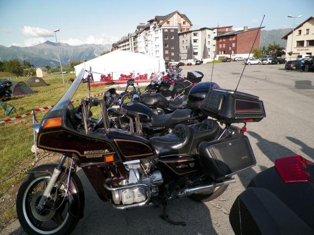 Rassemblement moto : les gueules de chien Bg60bu