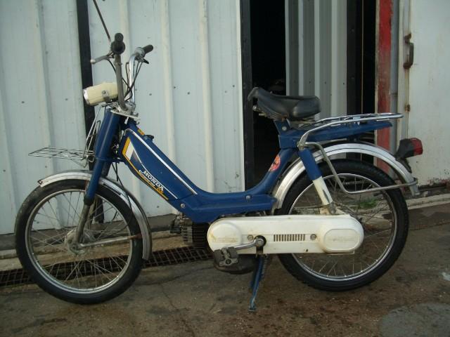 Honda Camino DX  Uao07a