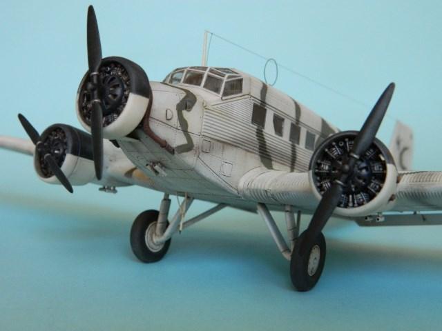 Junkers Ju-52. Italeri 1/72. 35209n