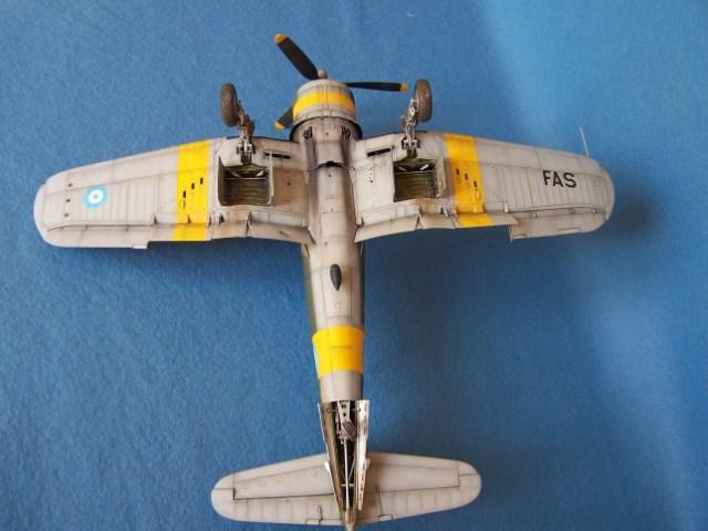 Corsair F4u-7 et Fg-1d. Bqqlpu