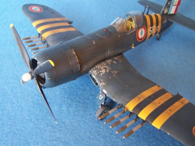 Corsair F4u-7 et Fg-1d. Yx7drh