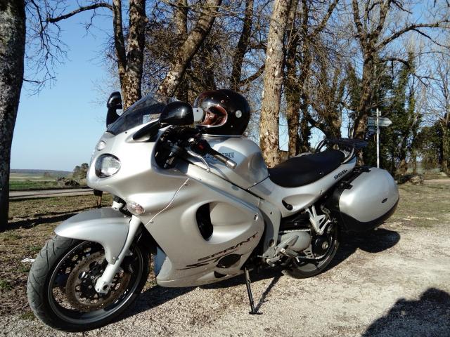 Deauville 650 1998 ou Triumph Sprint 955 ? D6kg6c