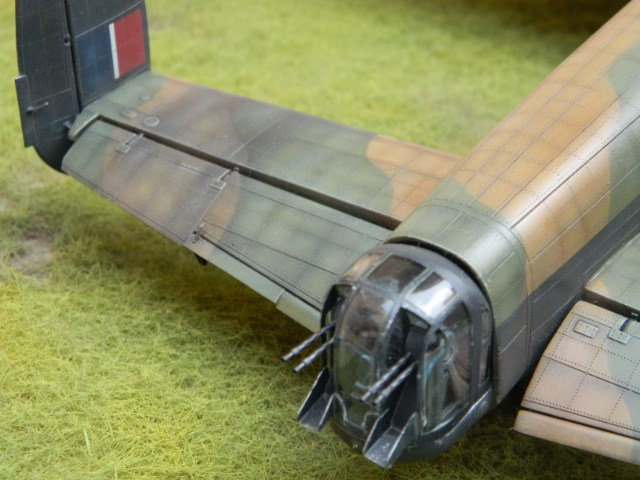 LANCASTER Mk III. Tamiya 1/48. - Page 15 F0pd60