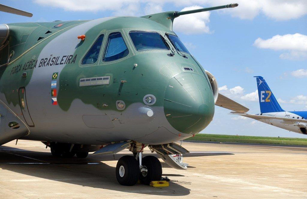 EMBRAER KC-390  - Página 3 Kc-190-2