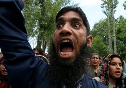 La Guerre des Images contre Islam Capt.bb53b30e82e34d6b87ae51d853725e46.india_kashmir_protest_rmx105