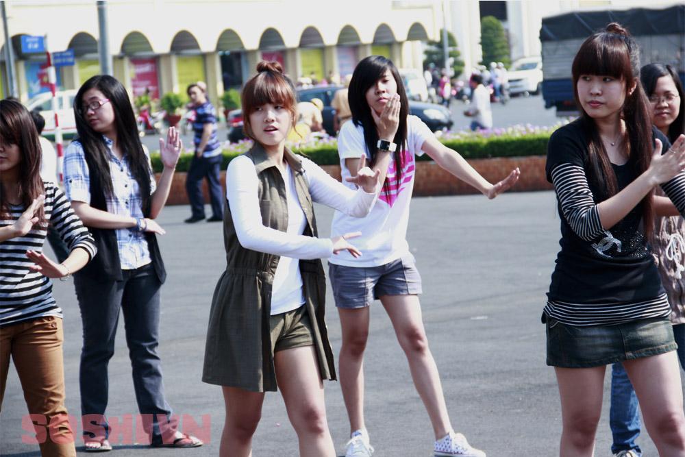 SNSD - Girls' Generation - Thiếu nữ thời đại - Page 2 4