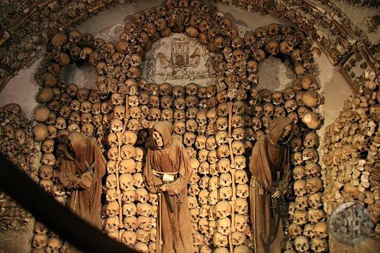 Rockeando entre cuerpos rígidos. El tópic del fiambre. - Página 4 Cripta-de-los-capuchinos