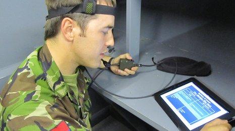 Quân đội Mỹ dùng iPad để chữa trị chứng rối loạn tinh thần 858102001405